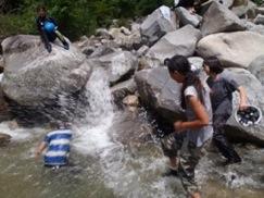 <山と森と川で遊ぶ!・・夏の子どもキャンプ>